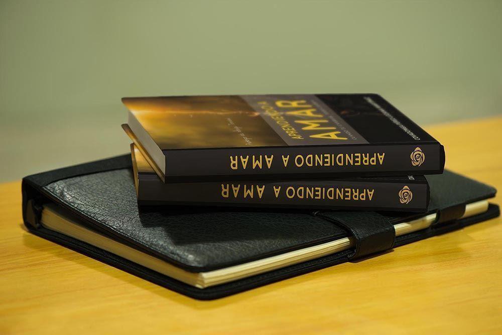 yMeraki Diseño -Cubierta libro Aprendiendo a amar-2