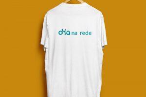 yMeraki estudio creativo - Chía na rede T-Shirt back
